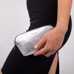 Kožená kosmetická taštička SEGALI A4 stříbrná